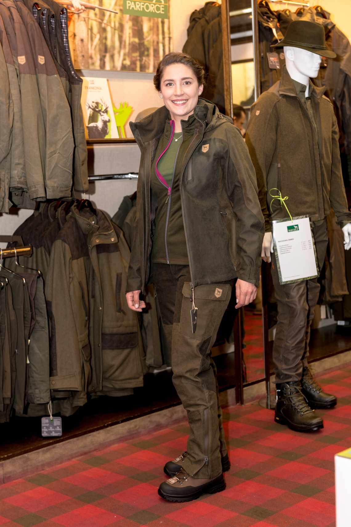 Bayerische Jagdkönigin im Parforce Outfit