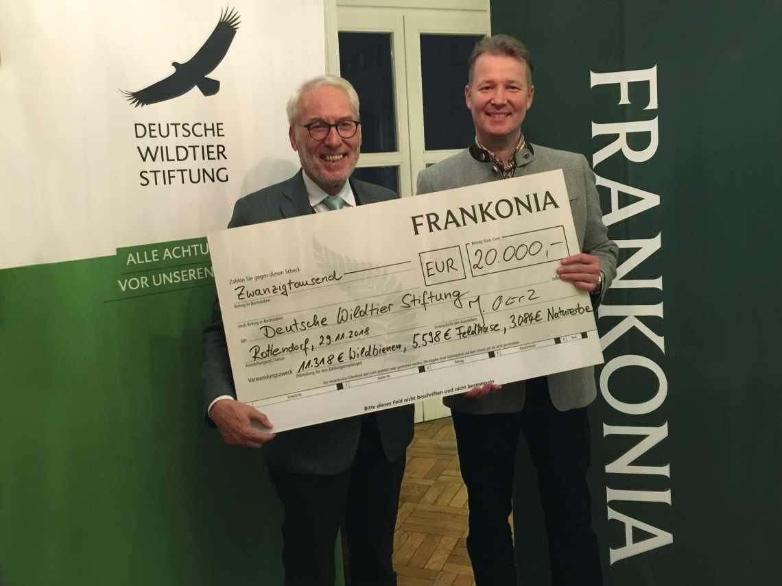 Scheckübergabe Frankonia / Deutsche Wildtier Stiftung
