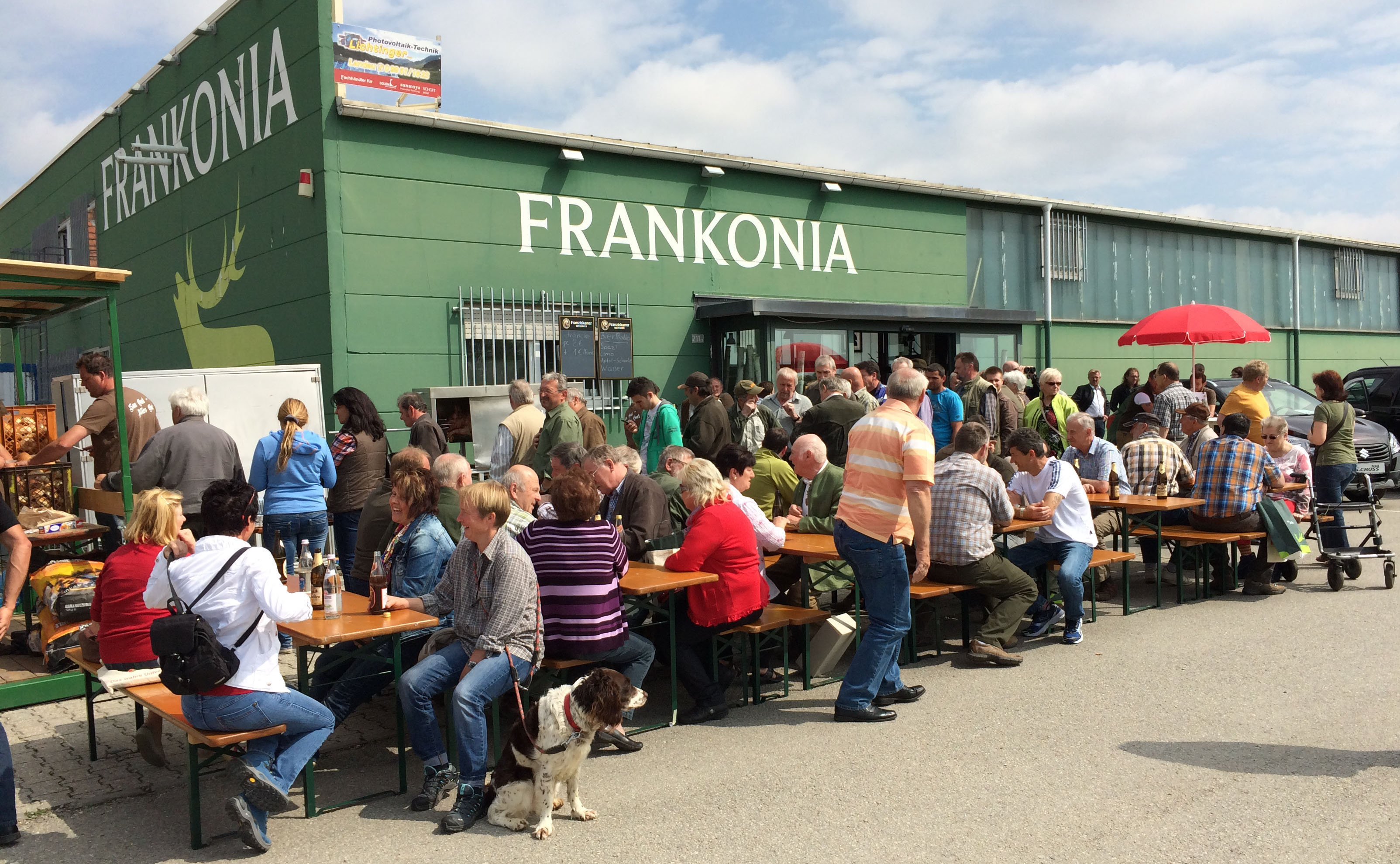 Entfernungsmesser Jagd Frankonia : Jägerfest in straubing frankonia präsentierte riesige